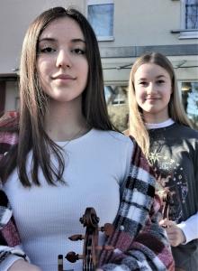Maya Steinbach und Thea Ränger (rechts) sind die Wolfenbüttelerinnen des Jahres 2020 und belegten Platz 1