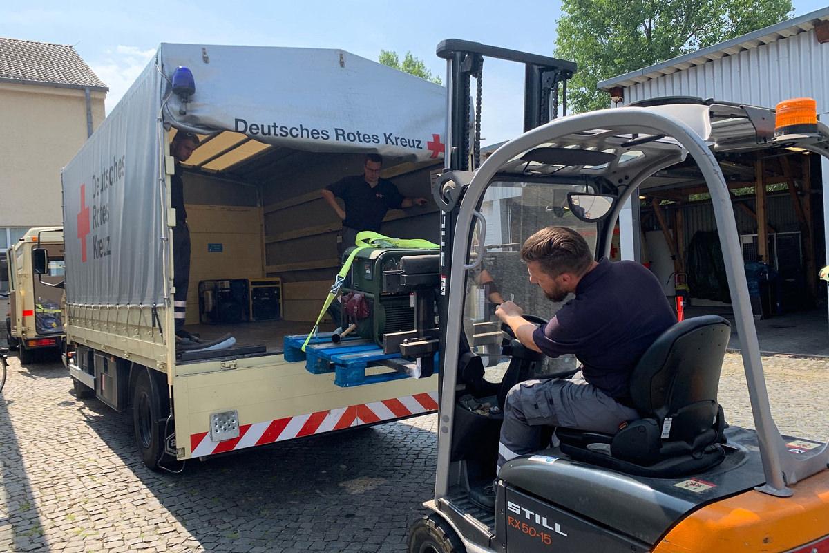 DRK Wolfenbüttel Fluthilfe Geräteverladung